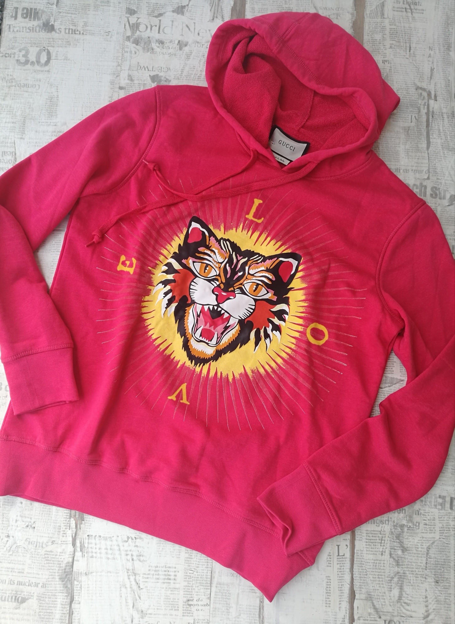 1516d2cd932 Gucci Men s Cotton Sweatshirt With Angry Cat Appliqu  Hoodie ...
