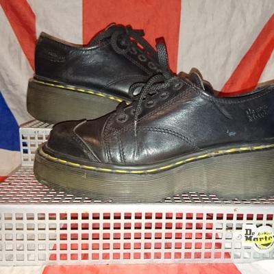 687f20c4ff79 England vintage - chunky sole dr doc martens black shoes- uk 3 eu 36