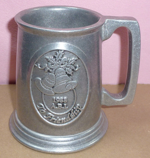 Rwp Wilton Pewter Metalware Armetale Abi 1988 Friendship Bell Christmas Beer Stein Tavern Cup